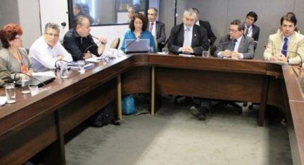 Diante de impasse na negociação sobre a terceirização, CUT aposta no poder das ruas