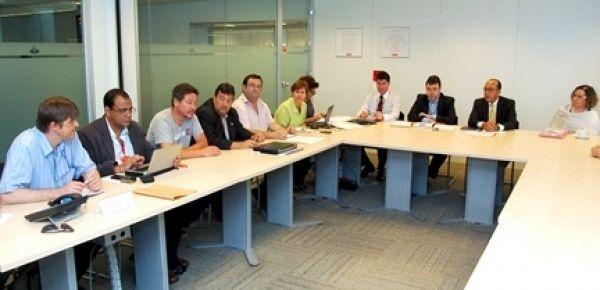 Força dos bancários arranca proposta de aditivo do Santander com avanços