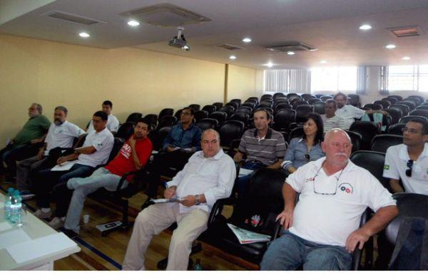 Sindicatos do Pactu participaram da reunião da Fetec-CUT/PR