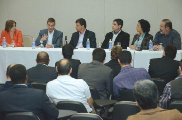 Em visita à Contraf-CUT, novo presidente do HSBC nega saída do Brasil
