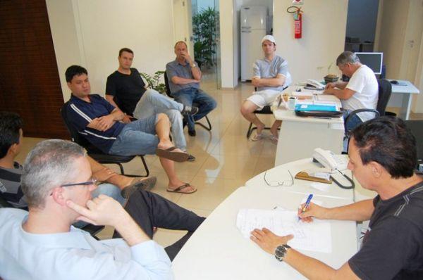 Bancários de Umuarama e região terão confraternização no dia 24. Reunião definiu regras para o futebol