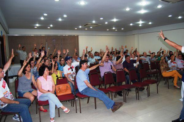 Maioria das assembleias aprova proposta de 8% e encerra greve