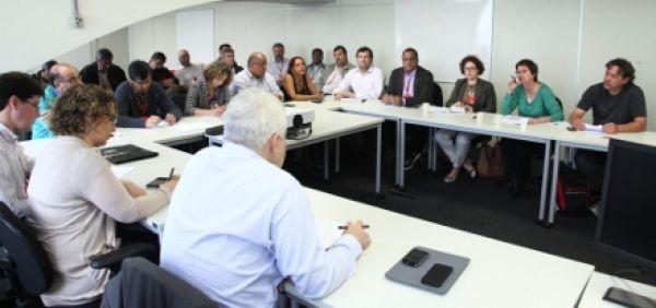 Bancários cobram reunião com presidente do Santander sobre demissões