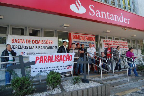 Bancários realizam dia nacional de luta por avanços no aditivo do Santander