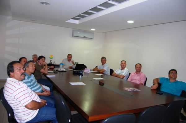Comissão inicia elaboração do Plano de Manejo do Bosque dos Xetás, em Umuarama