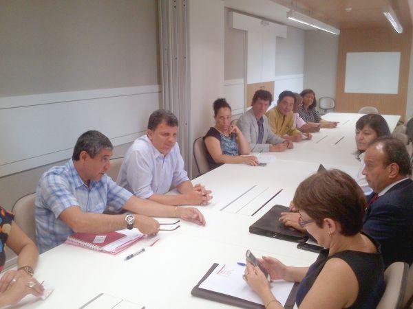 ContrafCUT e Sindicatos renovam junto ao Bradesco acordo sobre o ponto eletrônico