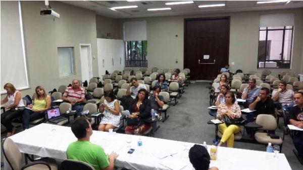 Bancários do Bradesco discutem organização para avançar em 2015