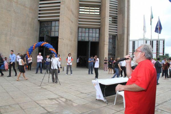 Brasil precisa de uma Caixa 100% pública, forte, social e com empregados valorizados