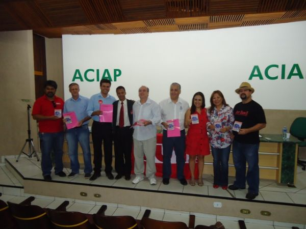 CUT Norte Novo entrega Plataforma da CUT-PR a candidatos de Paranavaí