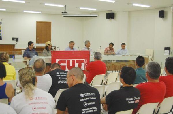 CUT Noroeste entrega Plataforma da CUT-PR a candidatos de Umuarama