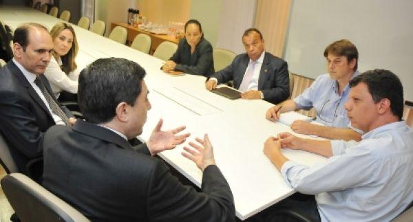 Contraf-CUT recebe visita do presidente do Bradesco e defende emprego