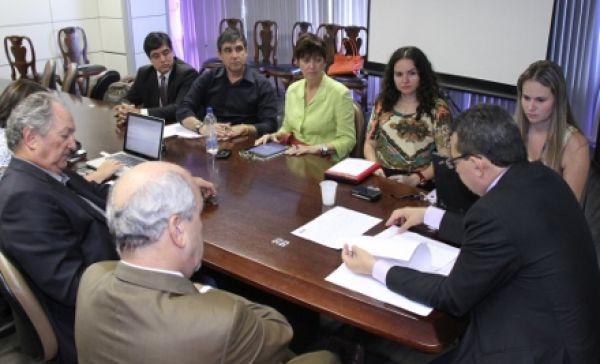 Ministério do Trabalho propõe suspender demissões do Santander em todo país