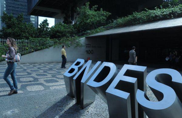 BNDES aprova empréstimo de R$ 100 milhões para microcrédito do BNB