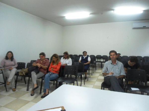 Dirigente do Seeb Umuarama participa de reunião do Conselho de Segurança Alimentar