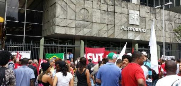 FUP, centrais e movimentos sociais voltam às ruas em defesa da Petrobrás