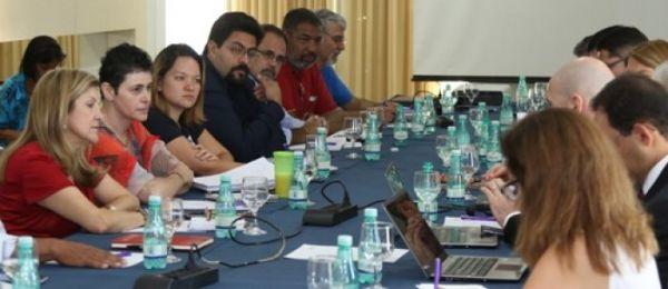Caixa: mobilização garante avanços e reestruturação está no centro do debate