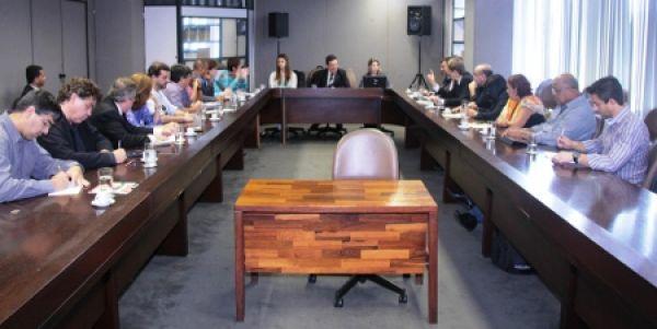 Ministério do Trabalho se compromete a analisar demissões no Santander