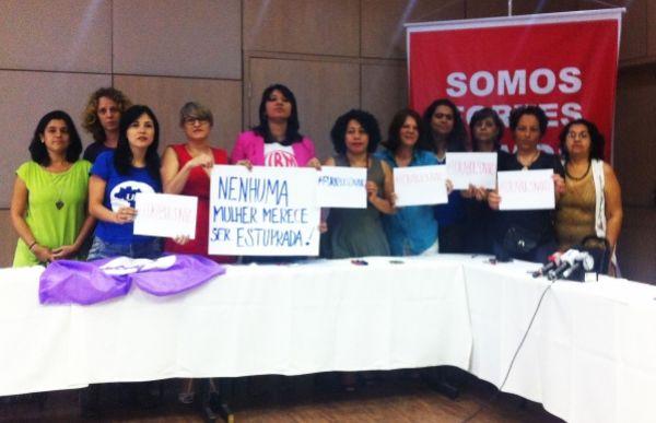 Mulheres da CUT repudiam violência e exigem cassação de Bolsonaro