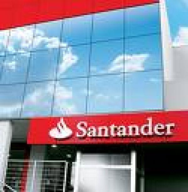 Santander lidera reclamações contra bancos que crescem 32,58% em março