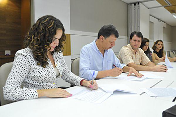 Contraf-CUT assina acordo sobre curso de CIPA no Treinet com Bradesco
