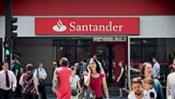 Enquanto demite, Santander é pentacampeão em reclamações no BC