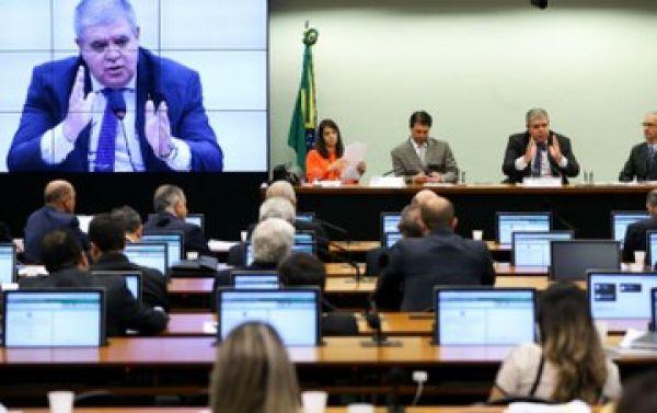 Deputados, procuradores e servidores cobram clareza sobre contas da Previdência