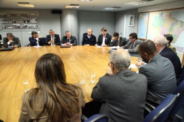 Contraf-CUT e CNTV discutem estatuto de segurança com ministro da Justiça