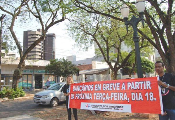 Sindicato de Umuarama fez campanha para avisar população sobre a greve dos bancários