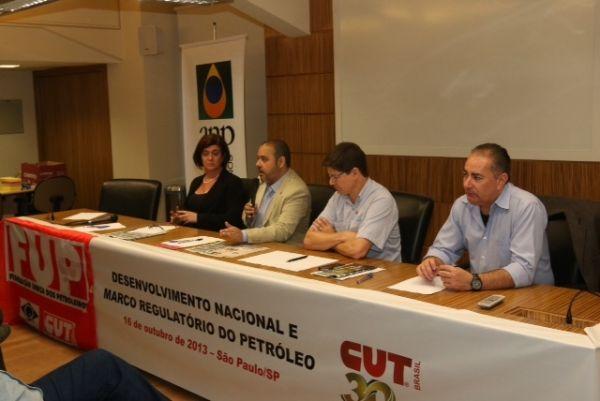 Com Seminário, CUT reforça campanha pela suspensão do leilão de Libra