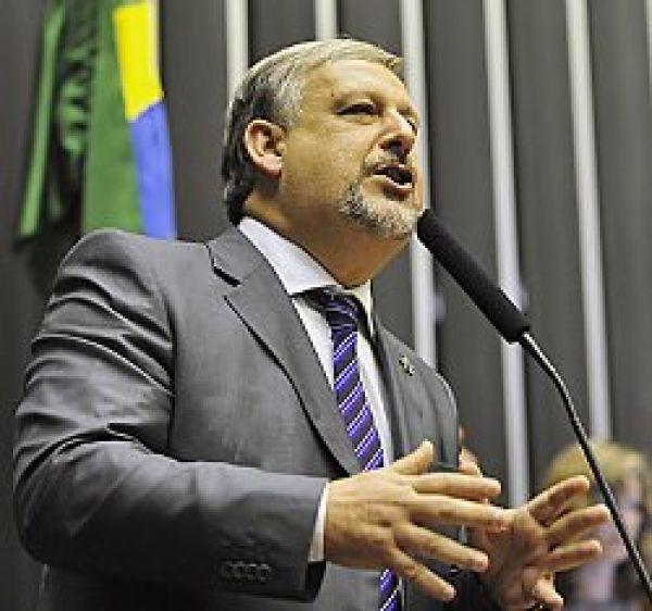 PL 4330 sai da CCJC e Berzoini cobra acordo para não votação na Câmara