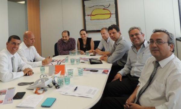 UNI Américas avança na discussão do Acordo Marco Global com o Itaú