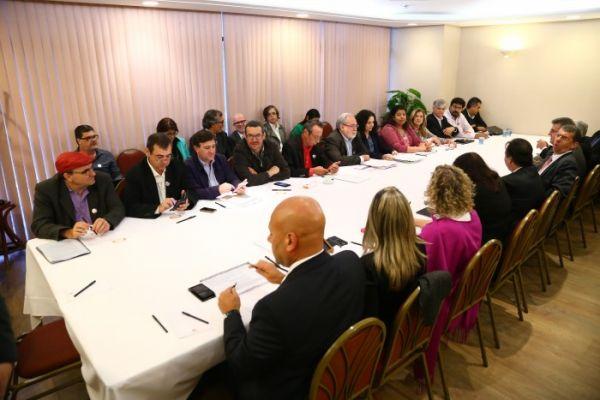 Primeira negociação debatem emprego e igualdade de oportunidades