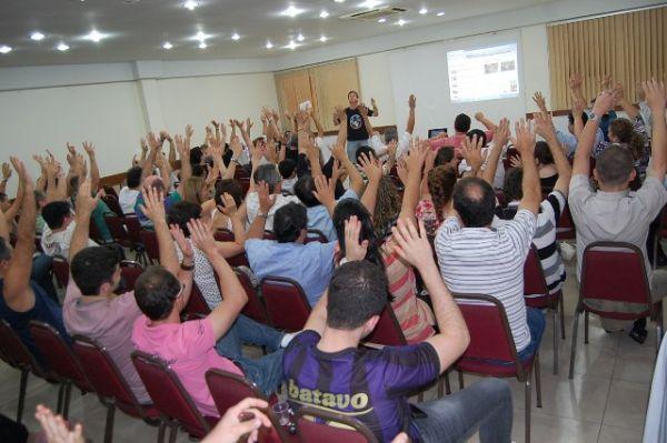 Fenaban não negocia e bancários entram em greve nacional nesta terça