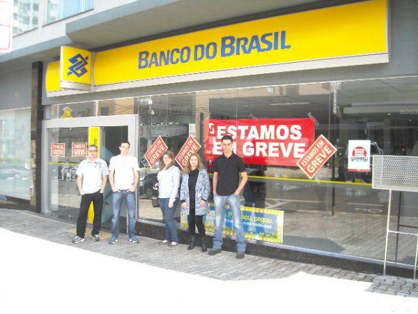 Banco do Brasil cede à pressão da greve e apresenta proposta com avanços