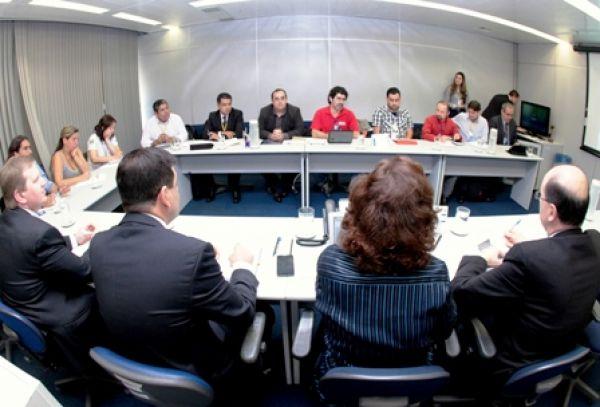 Contraf critica terceirização na Dirao/BB e cobra garantias para bancários
