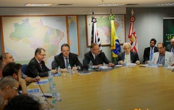 Centrais jogam duro contra MPs sobre direitos sociais; governo fala em diálogo