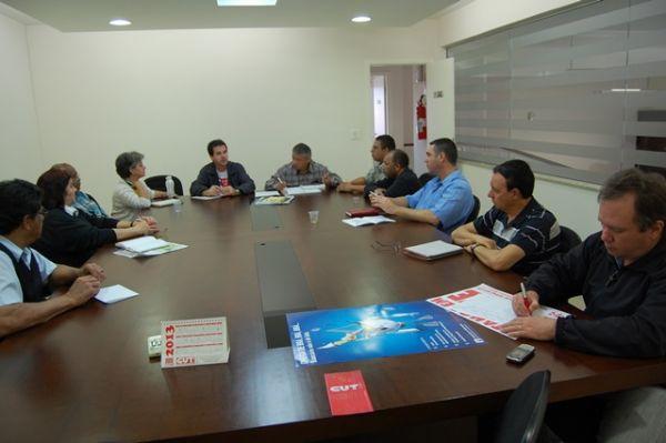 Sindicatos de Umuarama se reúnem para preparar mobilizações do dia 30