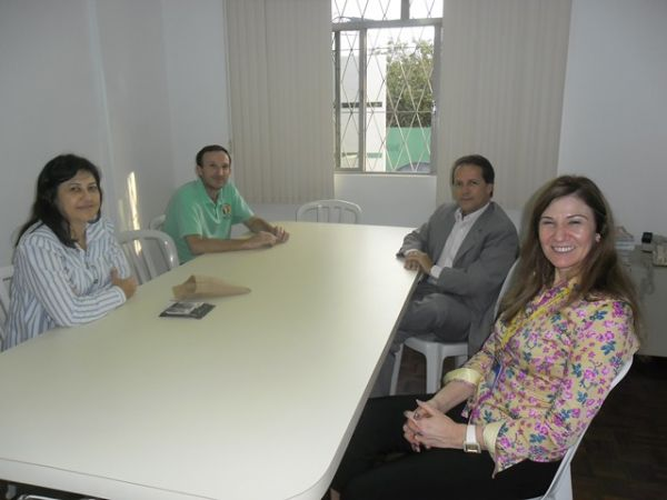 Superintendente Regional do BB visita SEEB Campo Mourão