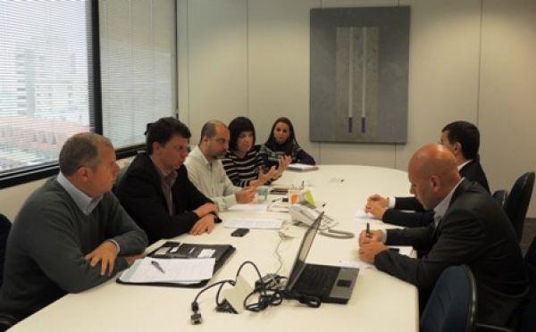 UNI Américas discute assinatura de Acordo Marco Global com Itaú