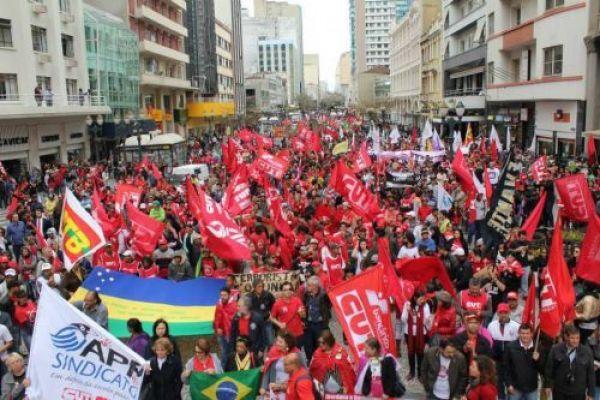 Cinco mil pessoas nas ruas por Direitos, Liberdade e Democracia