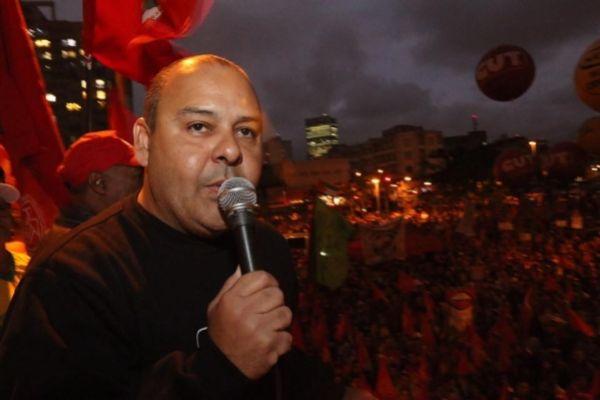 Com 100 mil pessoas, ato em São Paulo sepulta terceiro turno e exalta democracia