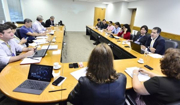 Bancários cobram do BB melhoria no Plano de Carreira, ascensão e substituição