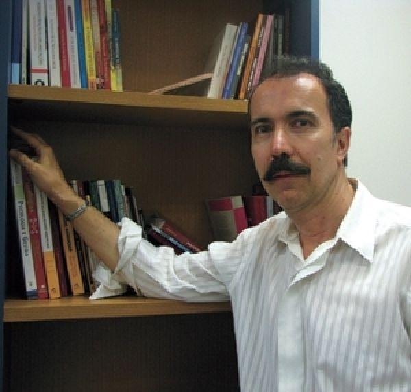 Vítima de assédio moral tem o direito de gravar ligação, afirma o psicólogo José Roberto Heloani