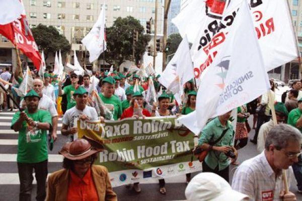 Bancários na Rio+20: A solidariedade é verde. O capitalismo, não
