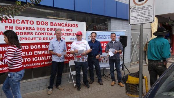 Sindicatos do Pactu e bancários de todo o Brasil protestam contra intransigência dos banqueiros