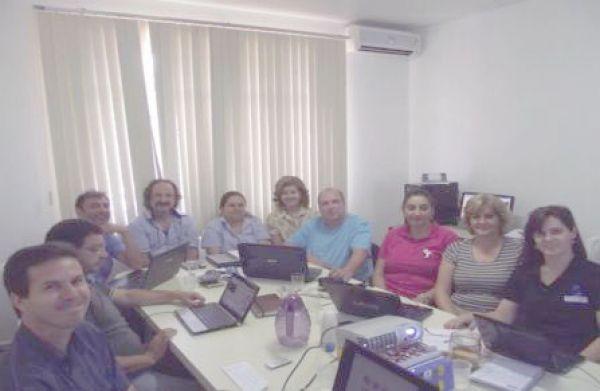 Dirigentes sindicais participam de reunião e treinamento para manutenção do site do Pactu