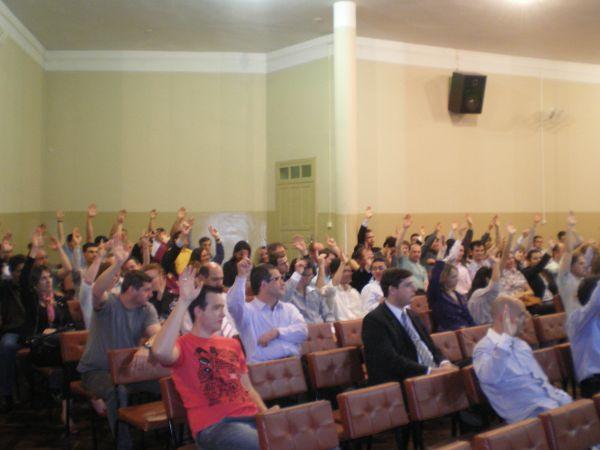 Bancários de Guarapuava rejeitam proposta e aprovam greve
