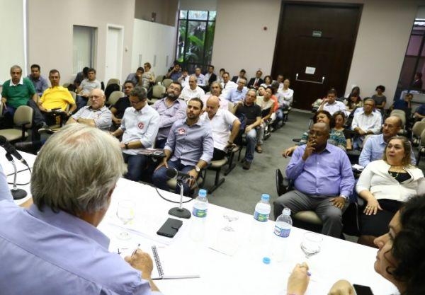 Comando Nacional aprova resolução política e calendário da Campanha Nacional 2016