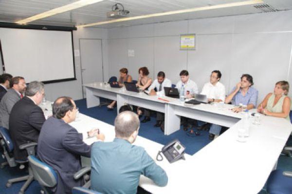 Contraf-CUT negocia com BB e reforça extensão da Previ e Cassi para todos