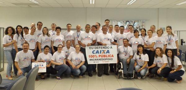 Rossetto diz para movimentos sociais que Caixa não terá capital aberto